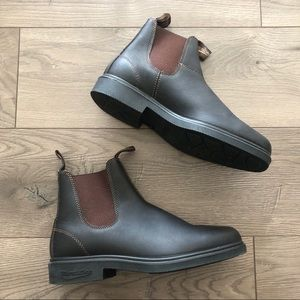 Blundstone. 1306 Chelsea Boot. Stout Brown.
